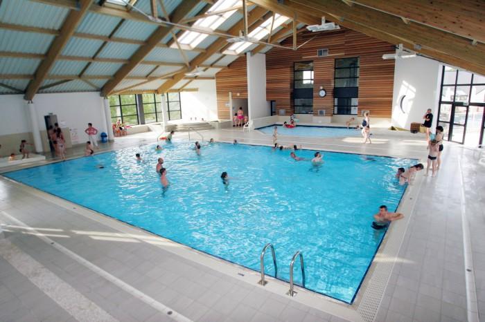 la piscine de baden un centre aquatique couvert ouvert au